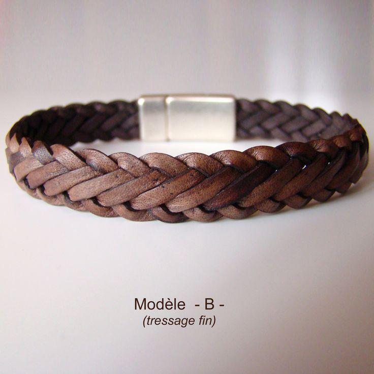 Bracelet Dandy marron antique, tressé à 6 brins. Fermoir magnétique plaqué argent.