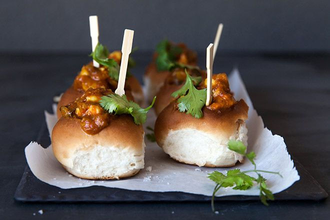 Bunny chow is a classic South African dish, heralding from Durban in KZN. We made a gourmet twist of this classic with Bunny Chow sliders.