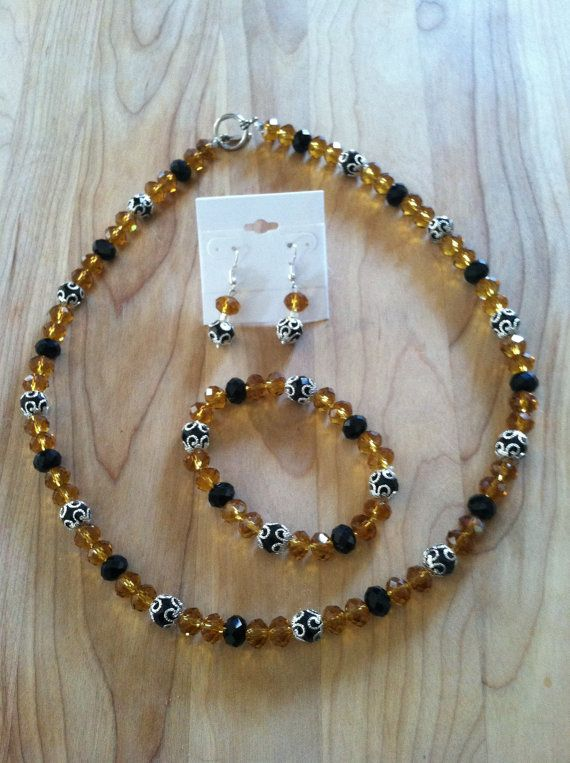 Handmade beaded jewelry set Gift for Her by Tinesandtailsoutdoor, $25.00