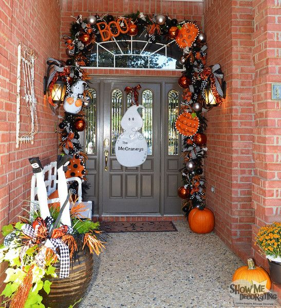 halloween doorway spooky fun and easy halloween diy garland check out the halloween deco mesheasy - Deco Mesh Halloween Garland