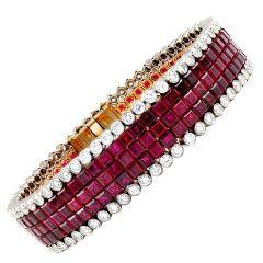 VAN CLEEF & ARPELS Mystery Set Ruby Diamond Bracelet