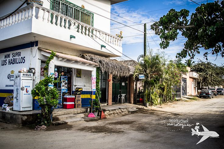 Small neighbourhood shops in #Bucerias give a sense of life in #Mexico http://www.spunkygirlmonologues.com/my-first-week-in-bucerias/