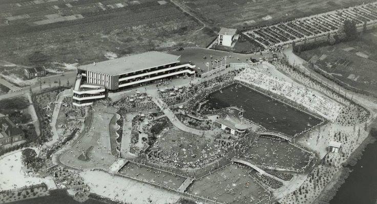Luchtfoto Panoramafoto van Openluchtbad De Papiermolen 1956 - Foto's SERC