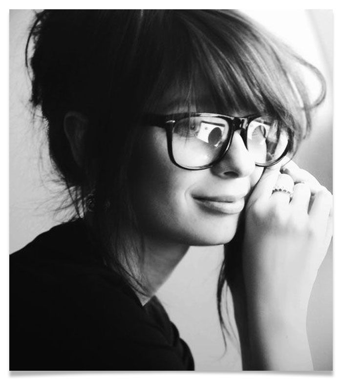 I love how this looks but I hate the feeling when the bangs are long enough they fall inside the glasses.