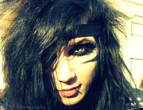 Andy with long hair <3