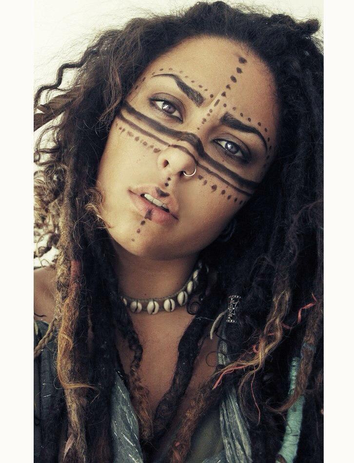 Beautyfull dreadhead with lovley dreadlocks and hair decorations