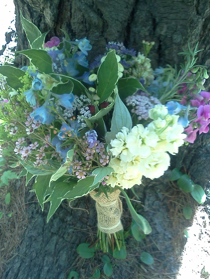 wild flower bouquet wrapped in burlap | www.lyndseyloringdesign.com | NH ME MA wedding flowers