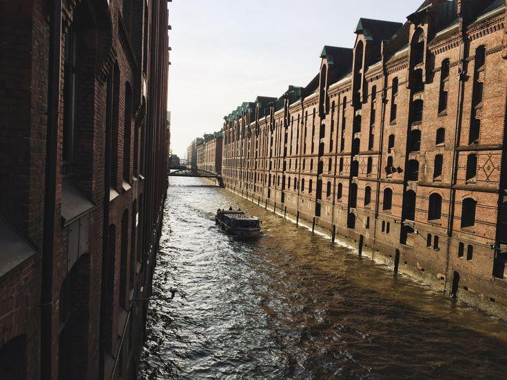 Hamburg - a city of bridges and canals. Гамбург, Германия
