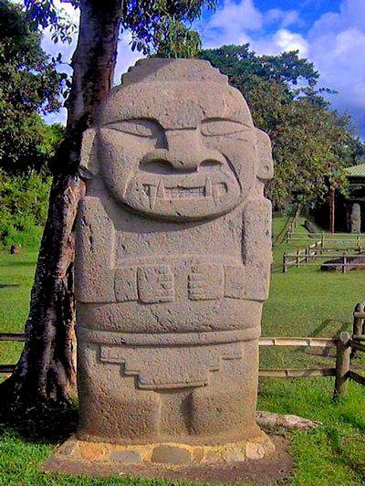 Visit the archaeological remains in San Agustin! This important cultural heritage park reveals history and legends of Long ago. Explore the grave Mounds and the carefully elaborated Stone figures guarding the graves - and travel back in time! #colombia #history #archaeology #palenquetours #travelandmakeadifference