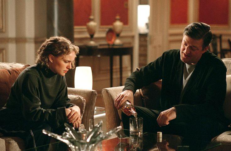 Still of Natalie Portman and Stephen Fry in V for Vendetta (2005) http://www.movpins.com/dHQwNDM0NDA5/v-for-vendetta-(2005)/still-3777072896