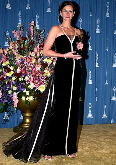 Julia Roberts - As if winning the Best Actress award (for Erin Brockovich) wasn't enough, the star became a fashion world legend with this vintage Valentino back in 2001.