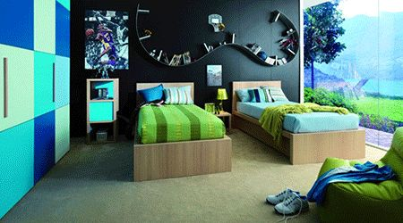 I'm loving the color scheme and the one black wall....