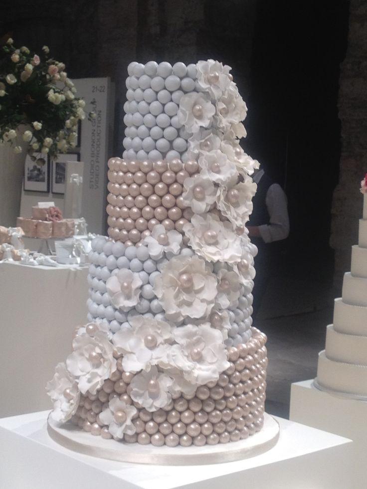Conti Confetteria Firenze - torta di confetti perlati e fiori di zucchero