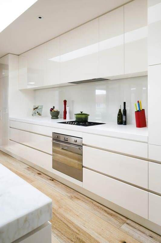 Best 25 kitchen glass splashbacks ideas on pinterest for Cheap kitchen splashback ideas
