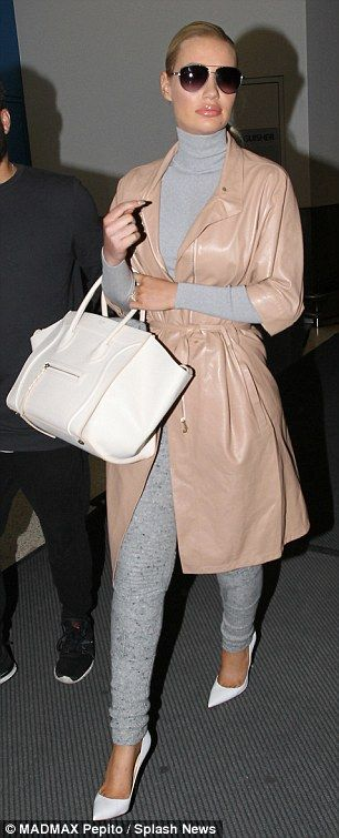 Iggy Azalea wears cashmere leggings as she lands in Sydney, Australia | Daily Mail Online