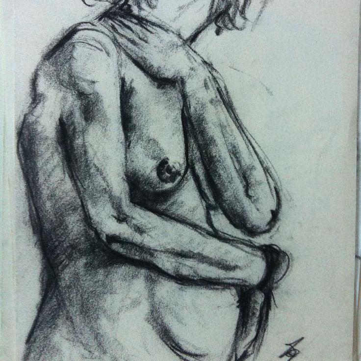 """""""#donna#Studio#ritratto#carboncino#grafite#arte#andreazannoniscultore#passione#lusso#luxury#momenti#ricordi#attimi#riflessioni#accademiadibellearti#artecontemporanea#nudo#corpo"""""""