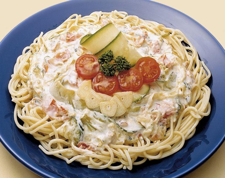 Špagety s cuketovou omáčkou