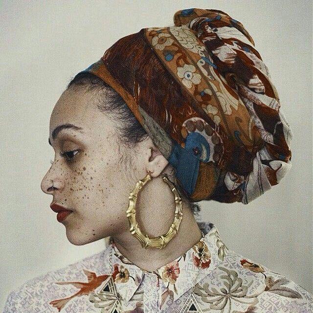 under the chestnut portrait young woman beauty turban blouse fall autom …   – Kochen
