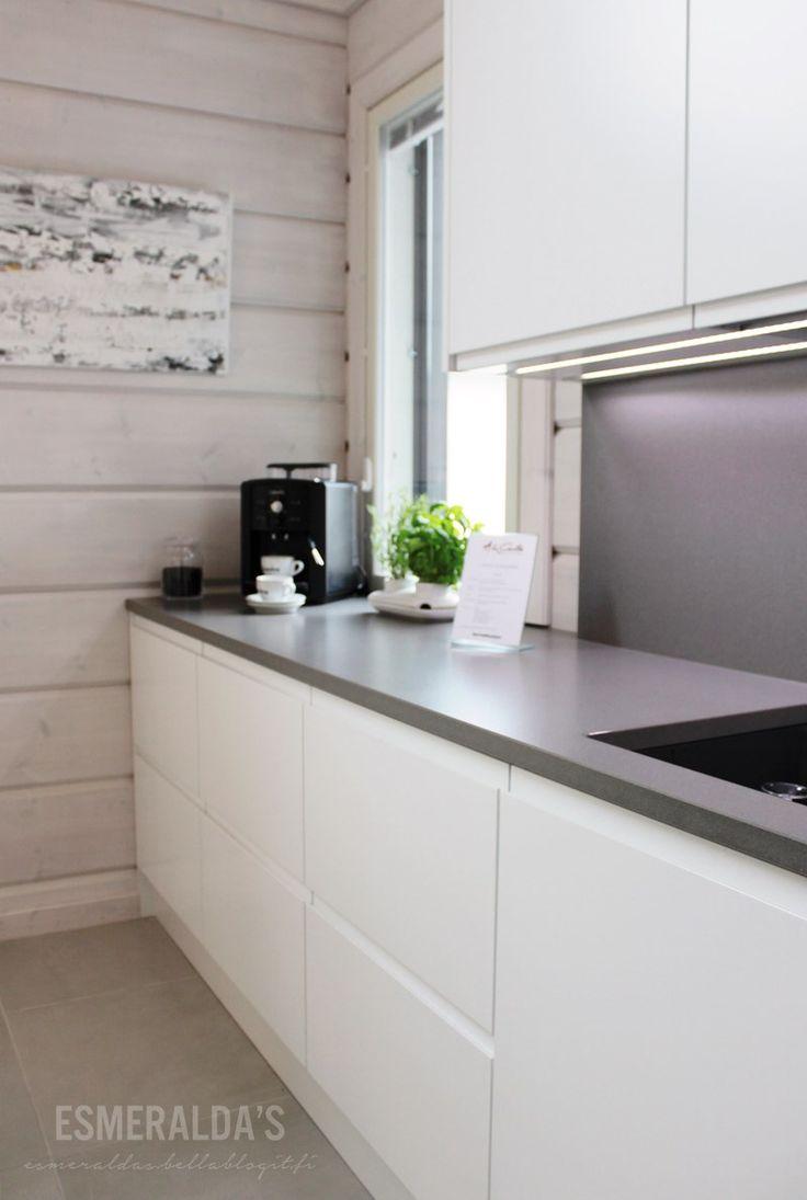 musta työtaso keittiöön  Google haku  Keittiö