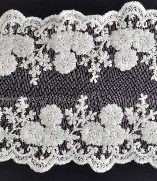 large dentelle guipure blanche sur tulle 12 cm ( vendue au mètre ) - dentelle mariage - couture : Rubans par sylvia21