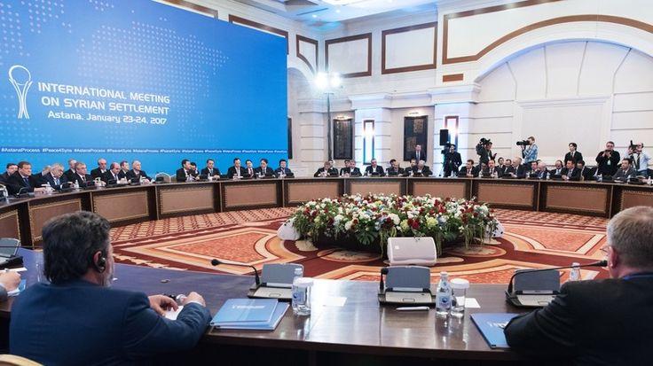 In der Hauptstadt Kasachstans haben am Montag die Friedensgespräche zum Krieg in Syrien begonnen. Die von der Russischen Föderation initiierten Verhandlungen haben alle Parteien des Konflikts an einen Tisch gebracht. Auch die Türkei und der Iran sind dabei.