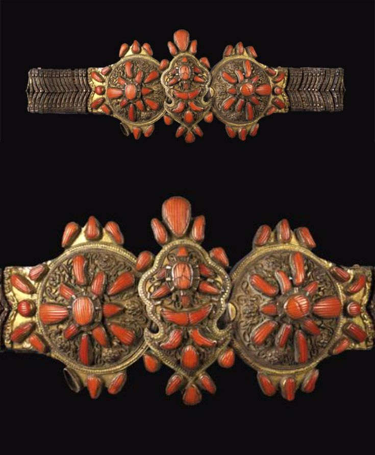 Saphrampolis | Ottoman belt; gilt metal buckle, with coral cabochons, on brocaded fabric | ca. 19th century | Est 5'000 - 6'000€ ~ (May '11)