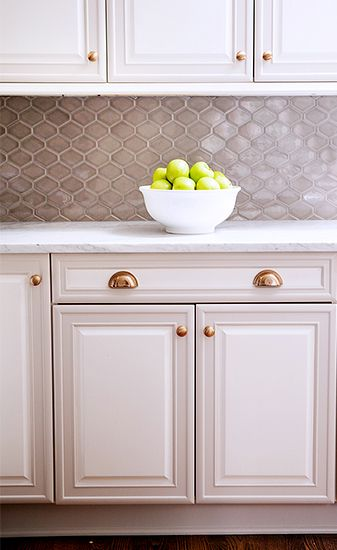 Home Tour: Traditional With a Fresh Modern Twist // traditional, Nemo tile, gray cabinets, brass kitchen cabient handles