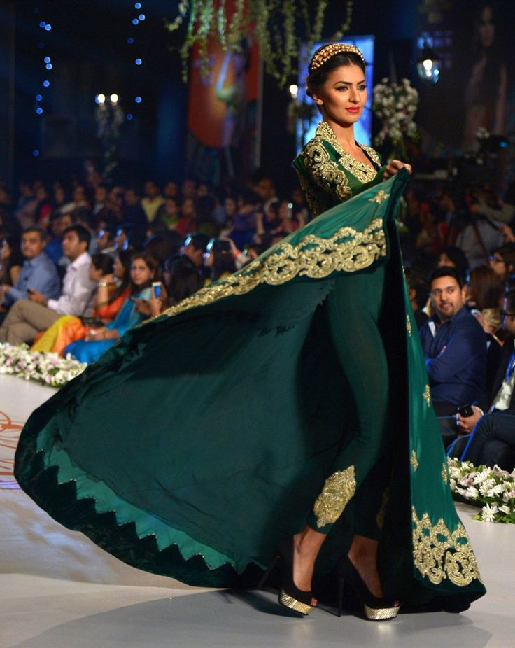 30 Best Wedding Outfits from Pakistani Bridal Couture Week 2014