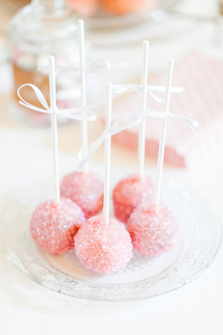 Cakepops in Rosa  Torten: mundus Hannover  Fotos: Anja Schneemann