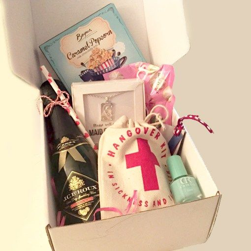 Maid-Of-Honour-Luxary-Gift-Box-With-Hangover-Kit