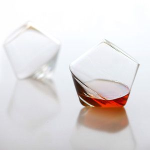 Cupa whiskey tumbler.