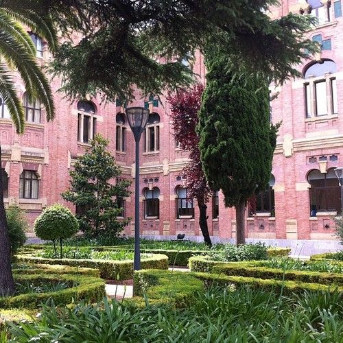 Beatiful place to go to work, right? #students #university #spain