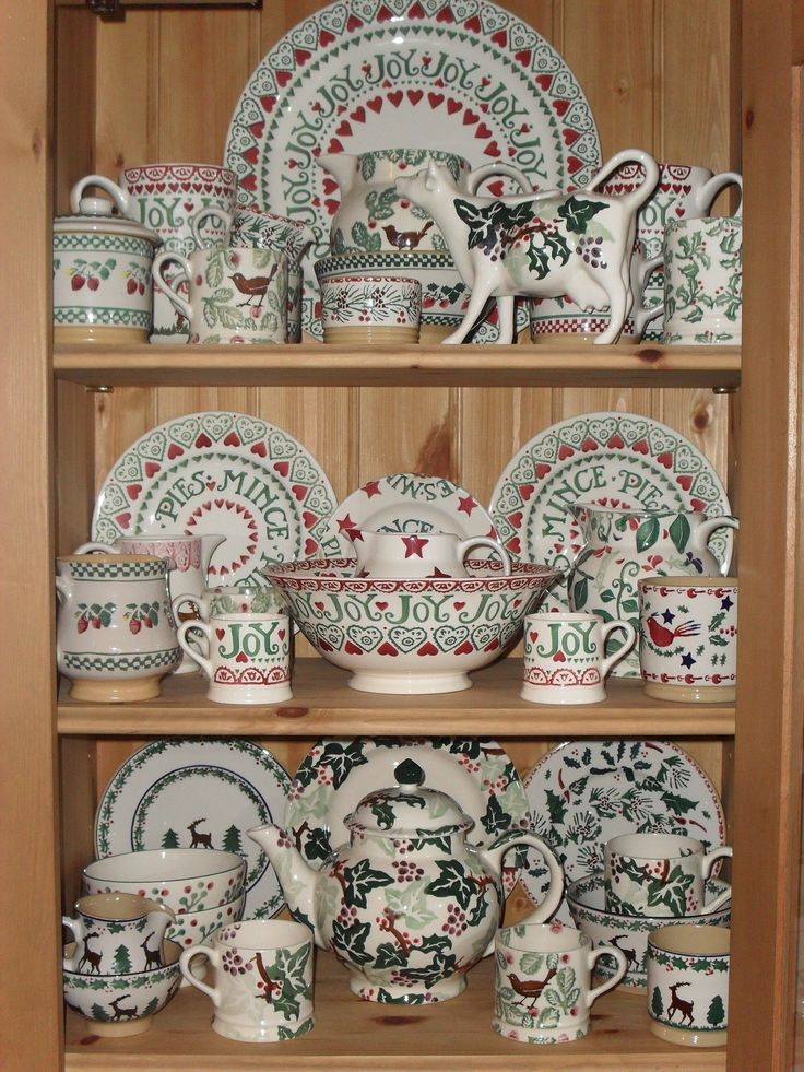joy christmas display 2011 discontinued shabby chic dishes pinterest vaisselle de no l. Black Bedroom Furniture Sets. Home Design Ideas
