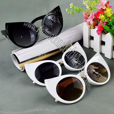 Get Custom Fashion #Cat's Eye #Sunglasses at Very Low Price from #Promotionalgiftwholesale