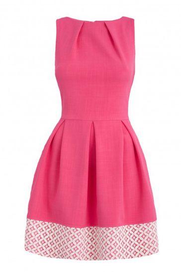 vestido con estampado rosa