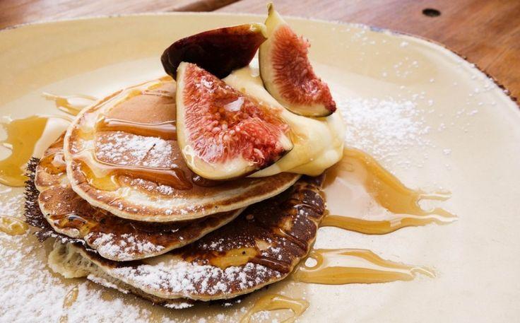 Hoewel zeer modern, is dit heerlijke ontbijt helemaal afgestemd op de Pitta dosha. Maar je begrijpt wanneer je gaat spelen met andere soorten fruit, kruiden of meelsoorten je dit recept ook kunt gaan gebruiken voor andere constituties. Experimenteer en varieer dus naar hartenlust! [...]