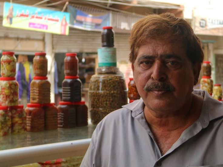 How Karachi's 'Pickle Street' Preserves the Past Pickles