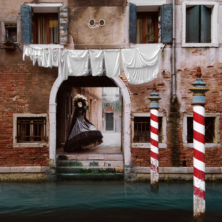 Venezia Cities, like dreams, are made of desires and fears, even if the thread of their discourse is secret, their rules are absurd, their perspectives deceitful, and everything conceals something else.   (Italo Calvino   Invisible Cities )