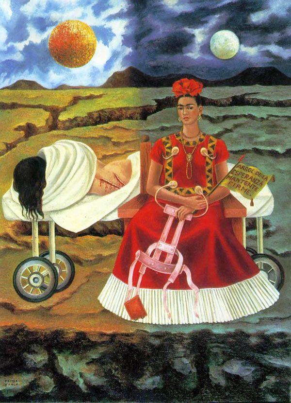 """Frida Kahlo, """"Árvore da Esperança"""" (1946).Em A árvore da esperança, de 1946, Kahlo pinta novamente sua dor, agora acrescida da esperança de um dia ver-se livre do sofrimento que as sequelas causaram, e para isso pinta duas Fridas: a que convalesce no leito e a que segura um colete agora já inútil."""