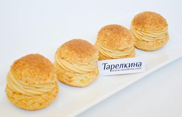 Тонкое хрустящее тесто, легкий карамельный крем - замечательное сочетание, невероятно вкусно!