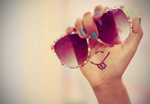 des lunettes de soleil rigolotes :P