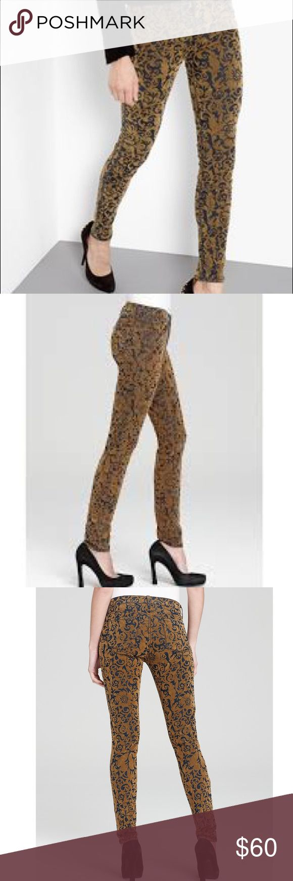 JBRAND METALLIC MID RISE 811 SKINNY GOLD BROCADE Amazing JBRAND Women's Metallic Jeans Mid Rise 811 Skinny in Gold Brocade. Worn only a few times-stretchy! 97% cotton, 3% polyester. Beautiful and unique! J Brand Pants Skinny