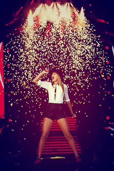 #Country #Divas #TaylorSwift, Red Tour 2013. Country music news, reviews & all your favs @ www.jeunessems.com