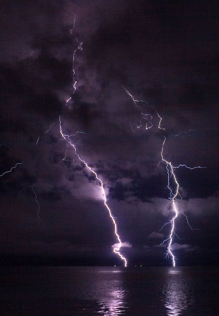 Best Lightning Images On Pinterest Landscapes Beautiful And - Stunning photographs capture epic thunderstorm off the coast of sydney