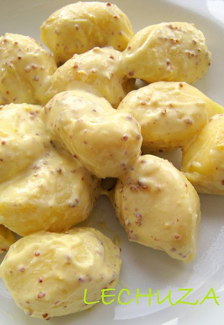 Gnocchi Al Pesto Con Salsa De Mostaza