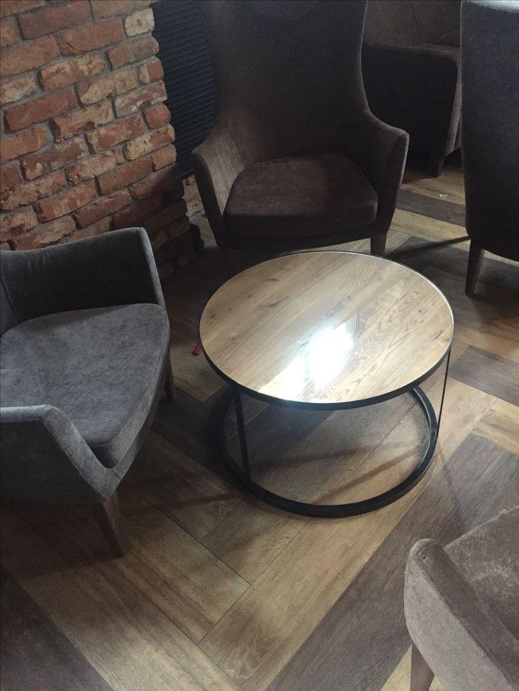 Круглый стол - дуб и металл