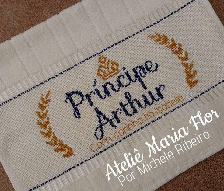 Príncipe Arthur #pontox #pontodecruz #pontocruz #crossstitch #bordadoamao #bordado #feitoamao #arthur #coroa #dohler #dohlertextil
