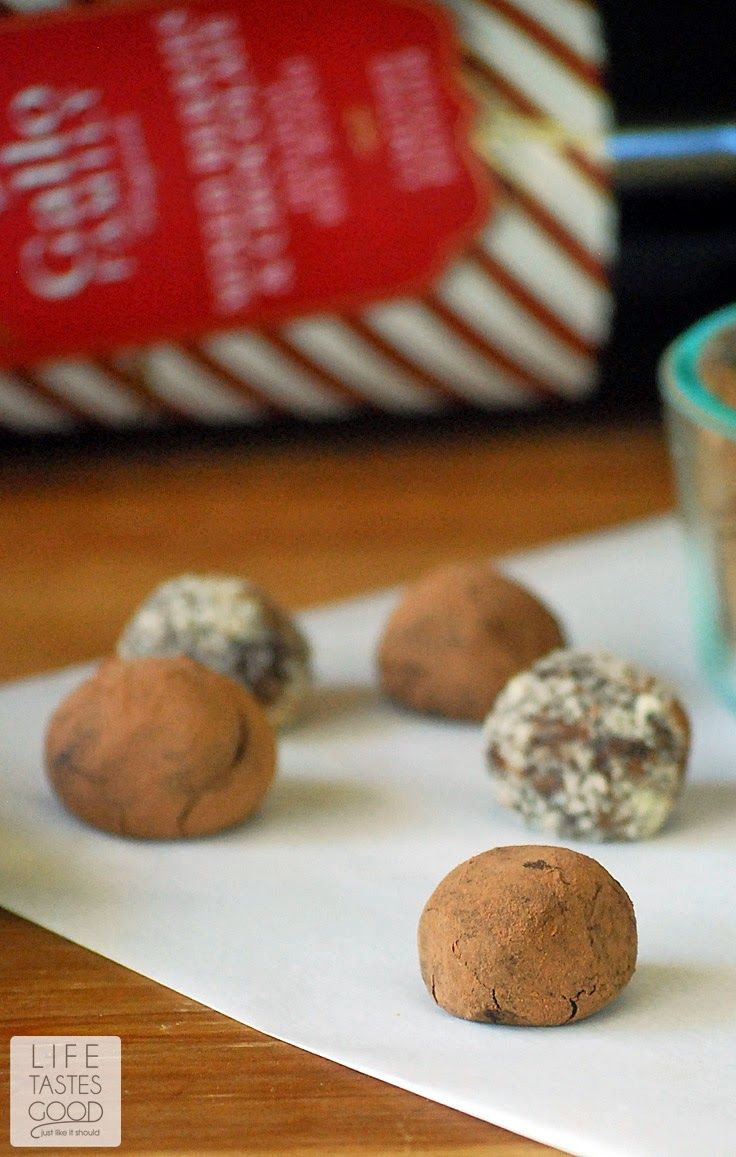 Red Wine Chocolate Truffles | by Life Tastes Good are bite sized pieces of chocolate heaven. These are traditional French Truffles made with a simple chocolate ganache I flavored with red wine and rolled in cocoa powder. #SundaySupper