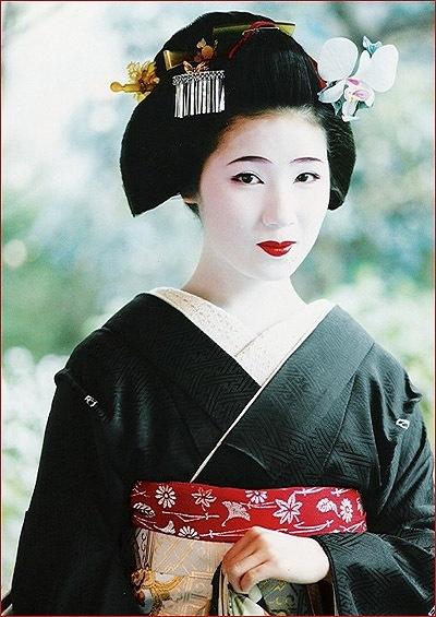 Kimono hair japan pinterest - Geisha Black Kimono Japan S Geisha Amp Samurai Pinterest
