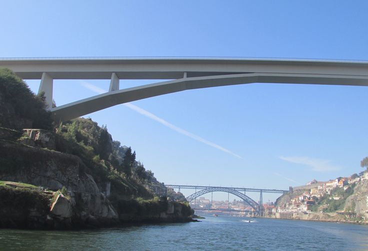 Bridges crossing the River Douro #cathytravelling